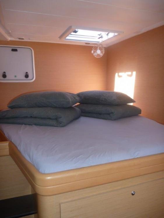 Boat rental Šibenik cheap Lagoon 421