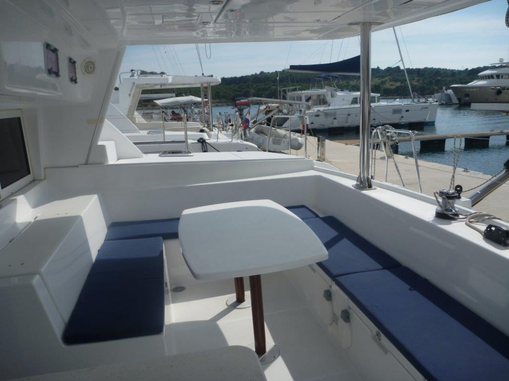 Catamaran for rent Šibenik at the best price
