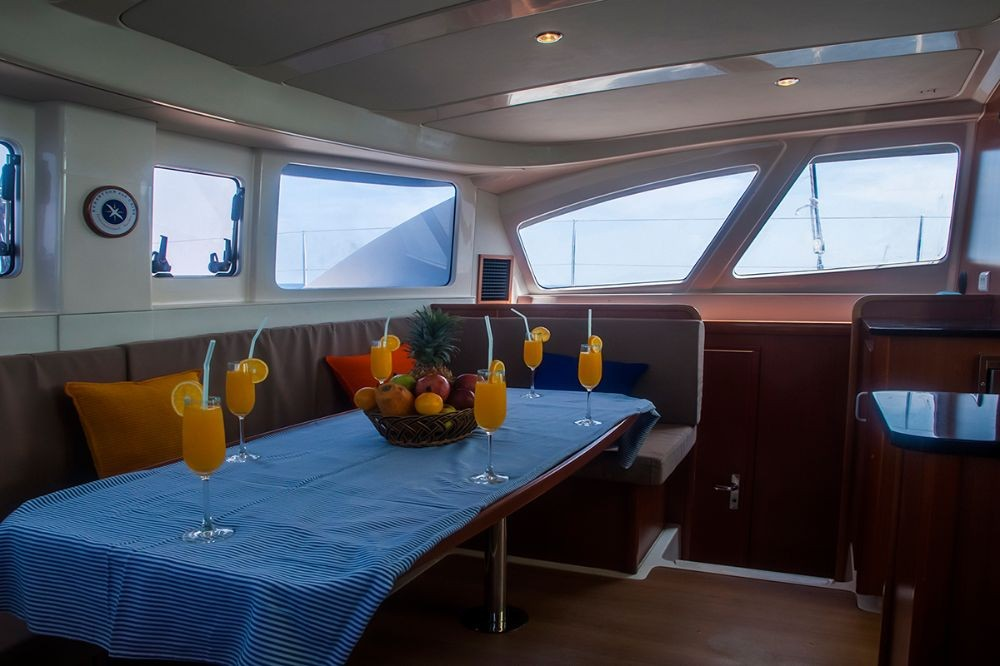 Hire Catamaran with or without skipper Leopard Hulhumale