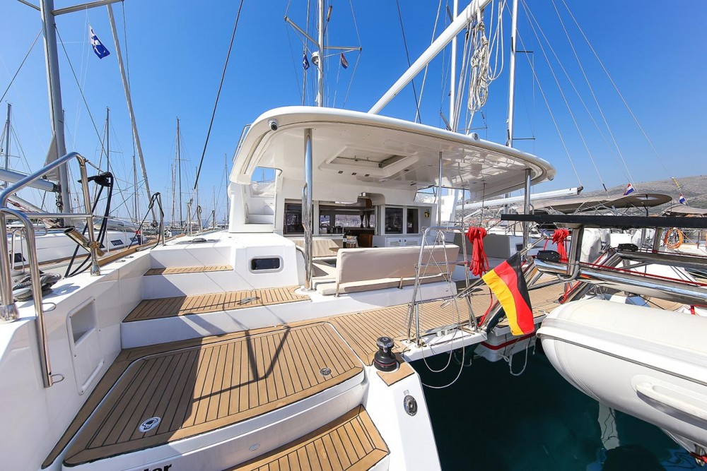Boat rental Lefkada cheap Lagoon 450
