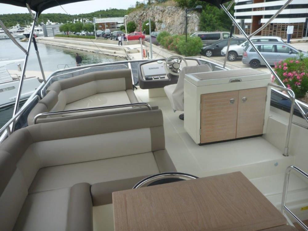 Rental Motor boat in Šibenik - Bénéteau Monte Carlo 5