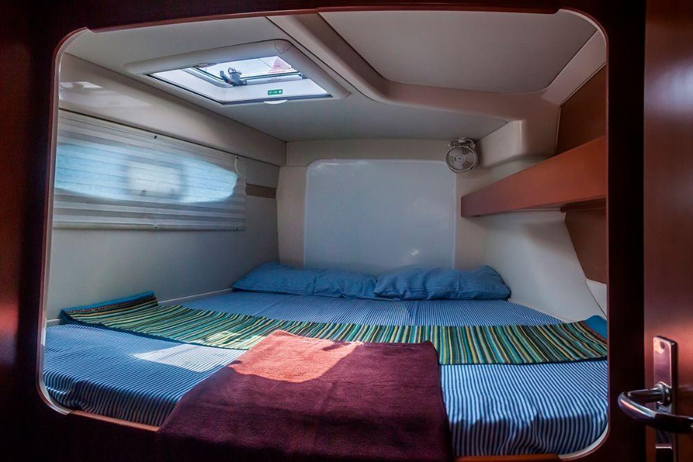 Boat rental Leopard Leopard 384 - 4 + 2 cab. in Hulhumale on Samboat
