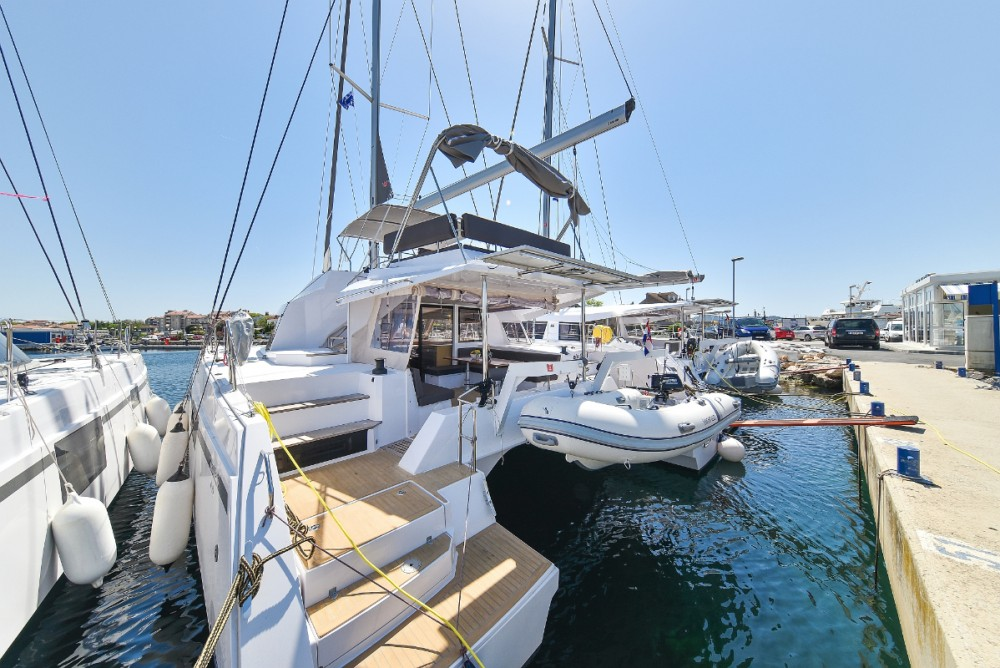 Boat rental Nautitech Nautitech 46 in  on Samboat