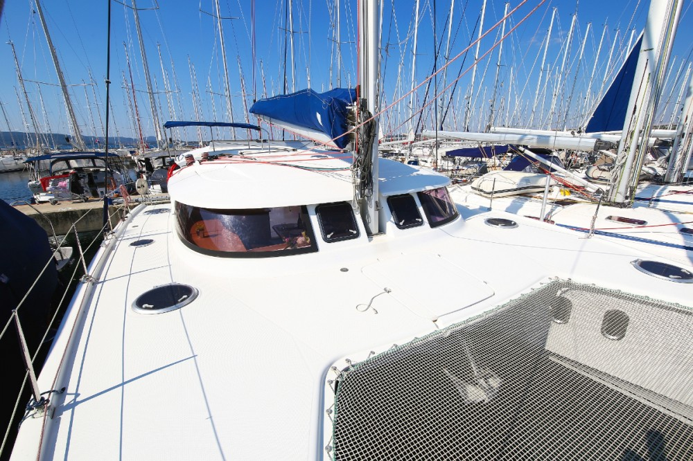 Catamaran for rent Grad Pula at the best price
