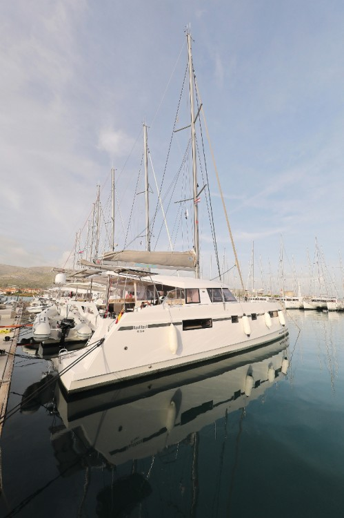 Hire Catamaran with or without skipper Nautitech Lefkada
