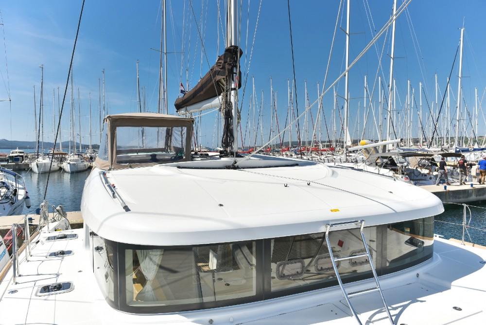 Boat rental Lagoon Lagoon 39 in Croatia on Samboat