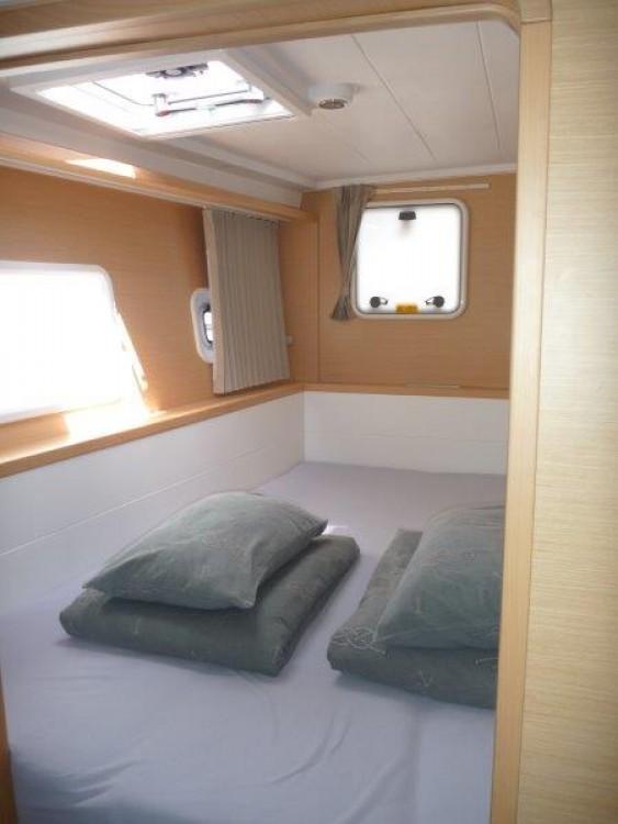 Boat rental Šibenik cheap Lagoon 400 S2