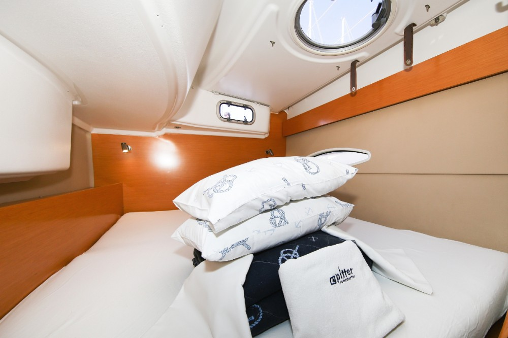 Hire Catamaran with or without skipper Fountaine Pajot Grad Pula