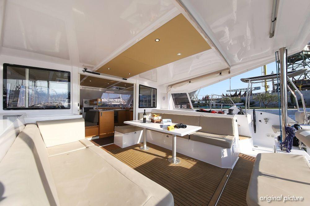 Boat rental Nautitech Nautitech 40 in Trogir on Samboat