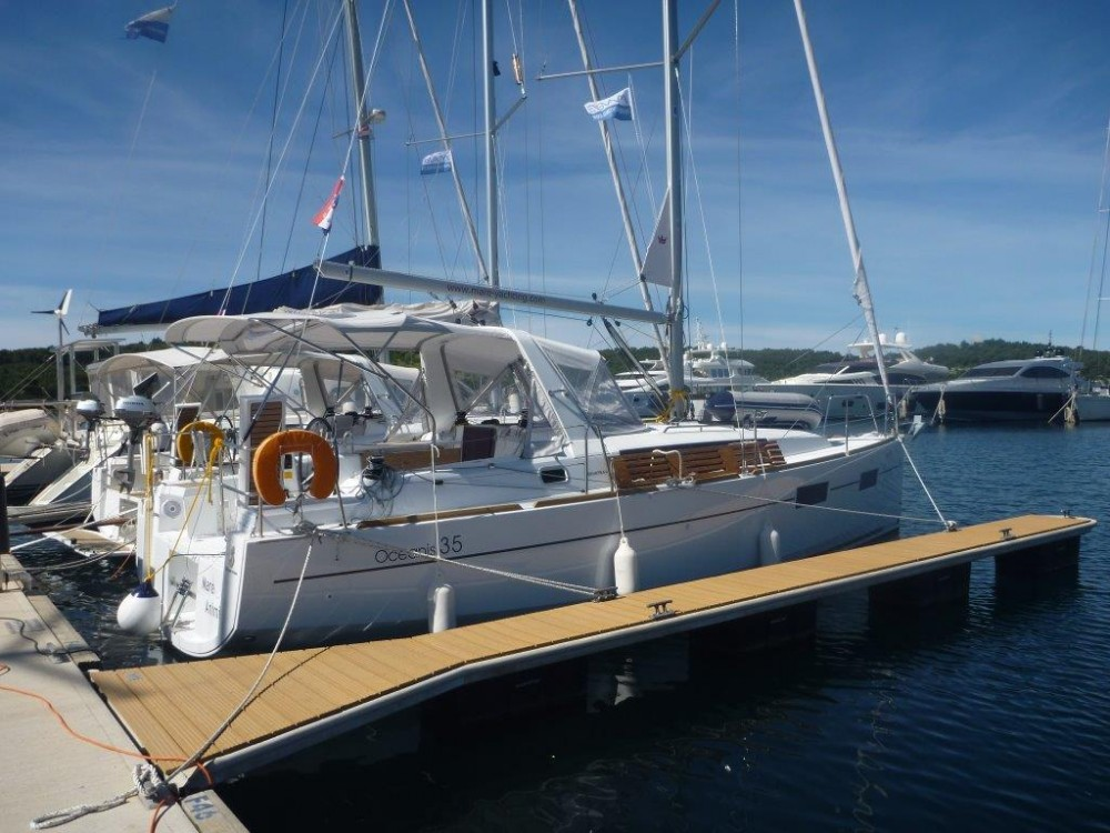 Hire Sailboat with or without skipper Bénéteau Kroatië