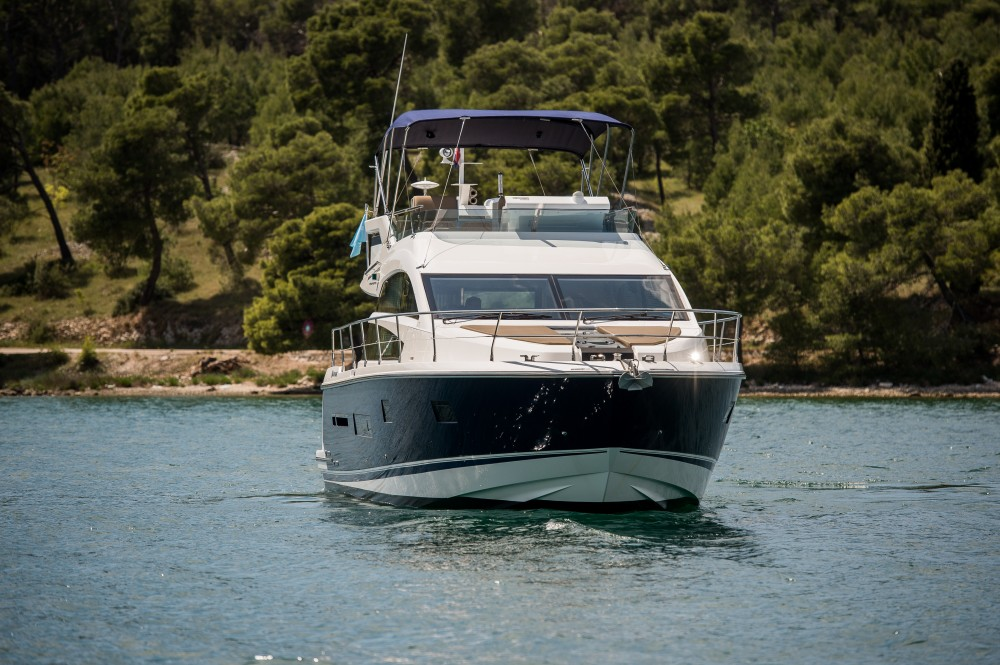 Hire Motor boat with or without skipper Fairlane