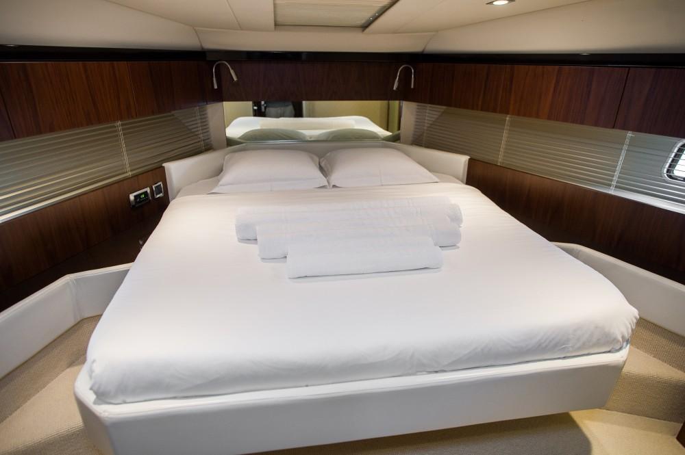 Boat rental  cheap Fairline Squadron 42