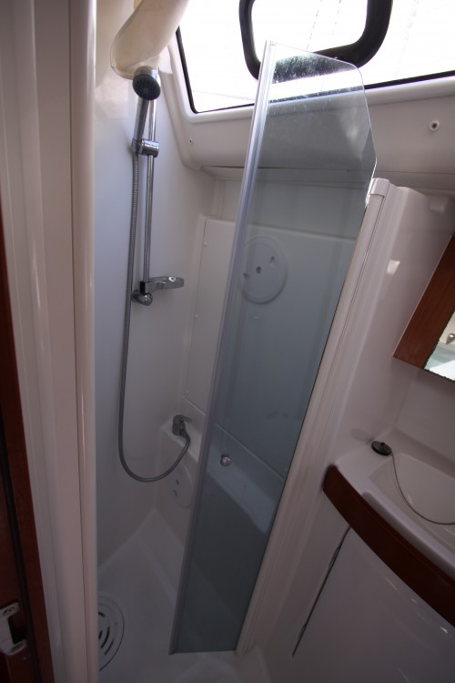 Rental yacht Nettuno - Bénéteau Oceanis 40 on SamBoat