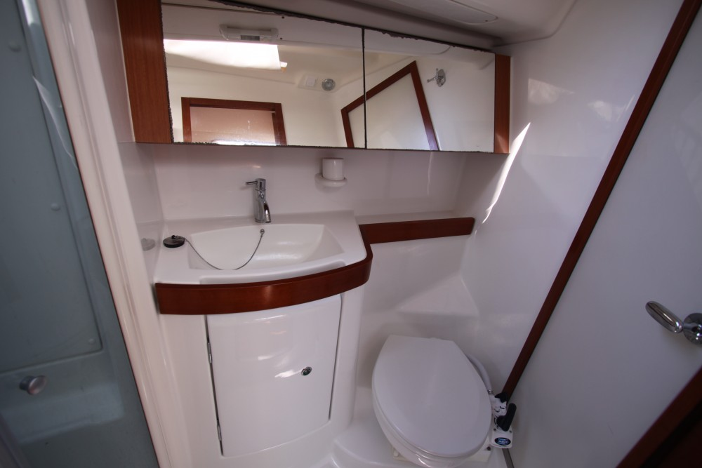 Boat rental Nettuno cheap Oceanis 40