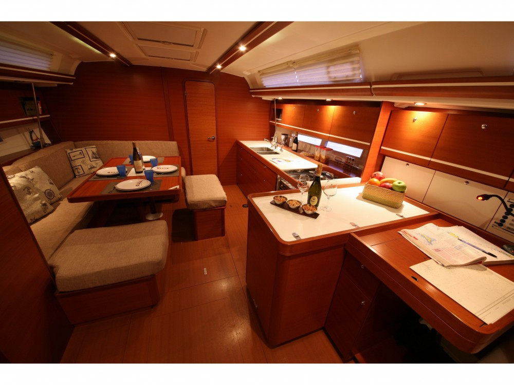 Rental Sailboat in Nettuno - Dufour Dufour 445 GL