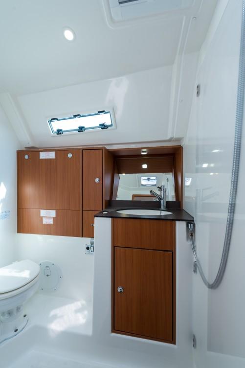 Boat rental Lefkada cheap Bavaria 45 Cruiser Owner version