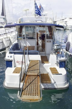 Boat rental Nimbus Nimbus 320 Coupe in Athens on Samboat