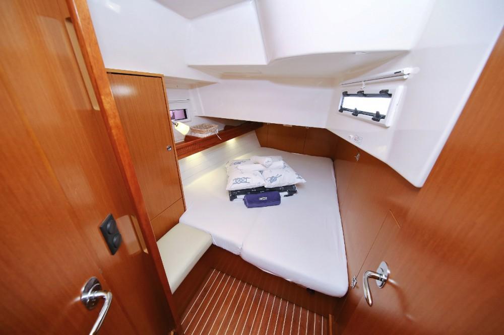 Boat rental Bavaria Cruiser 45 in Split on Samboat