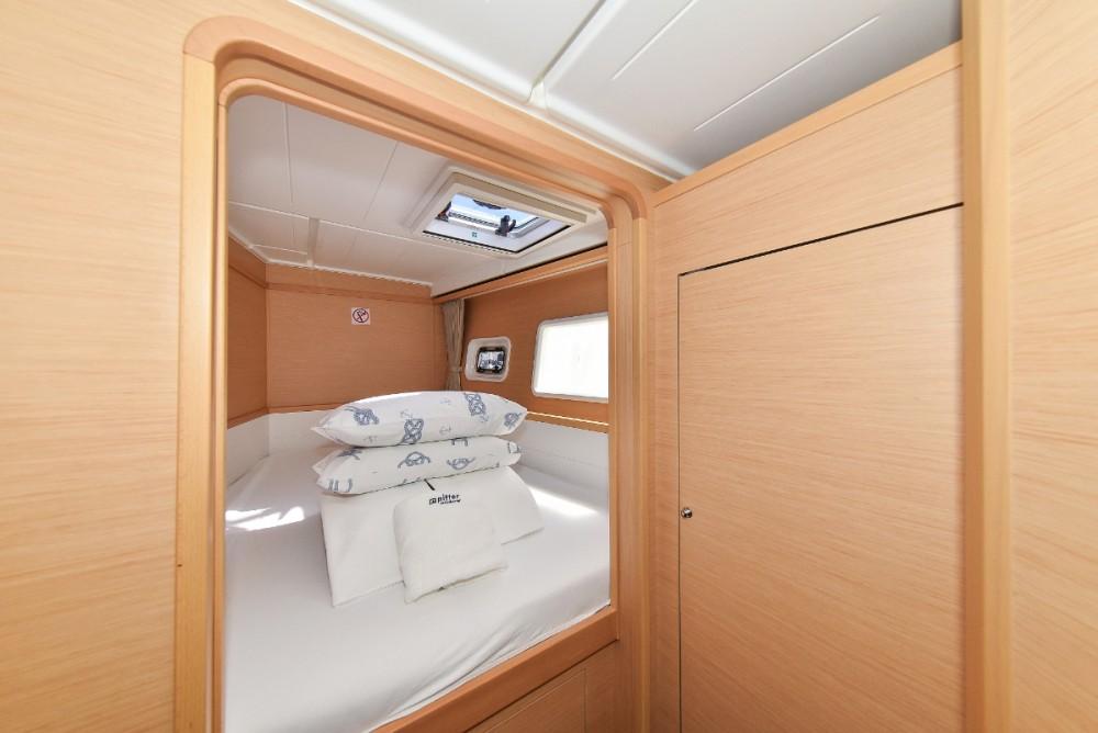 Boat rental Croatia cheap Lagoon 39