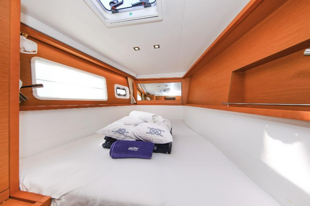 Boat rental  cheap Lagoon 450