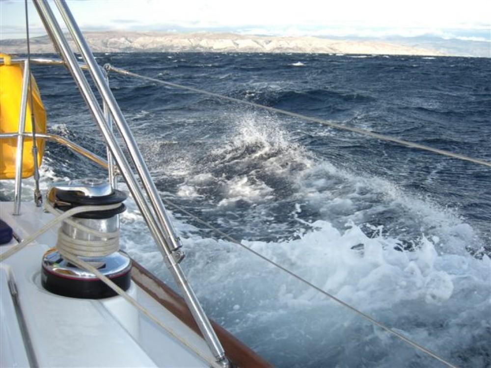 Rental yacht  - Bénéteau Oceanis 40 on SamBoat