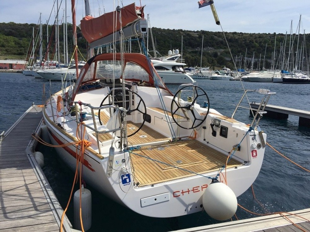 Rental Sailboat Salona with a permit