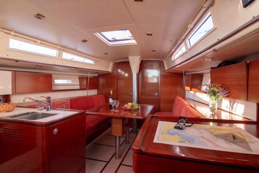 Boat rental Salona Salona 38 in Split on Samboat