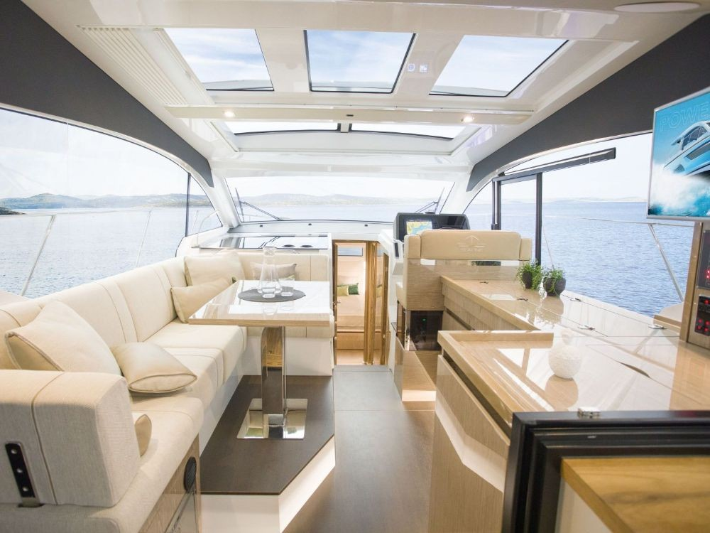 Rental Motorboat in Croatia - Sealine Sealine C390