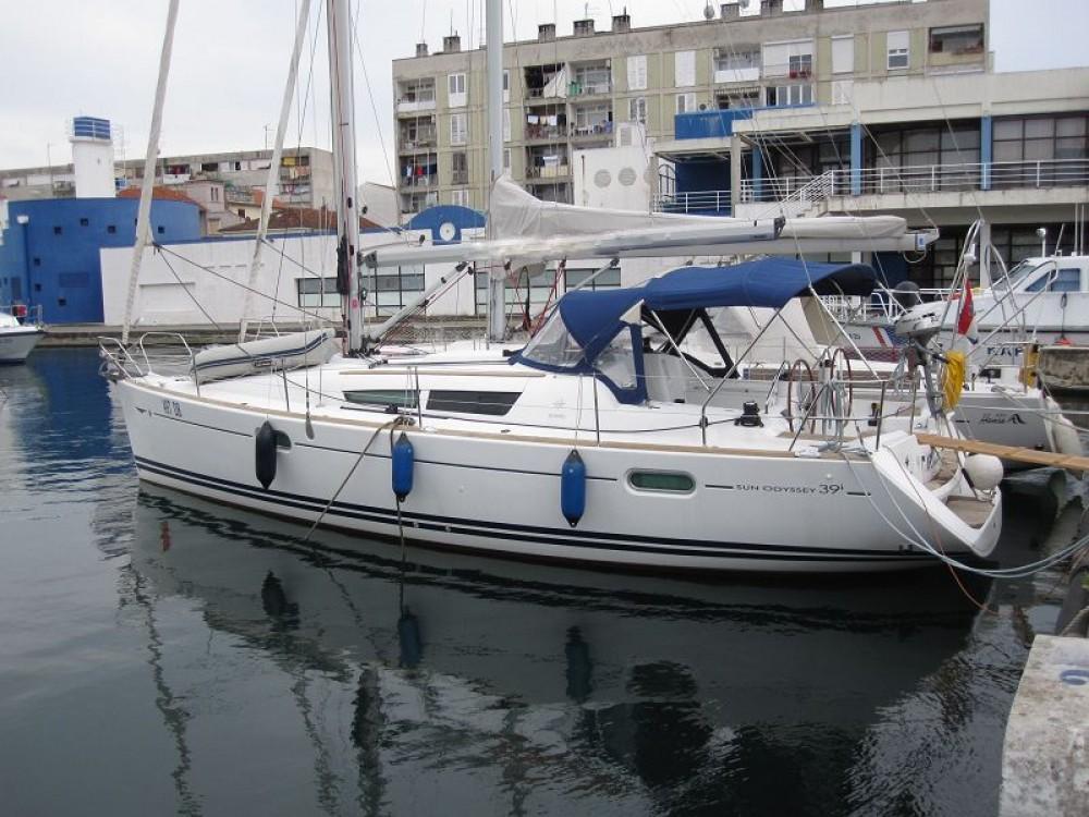 Rental yacht Croatia - Jeanneau Sun Odyssey 39i on SamBoat
