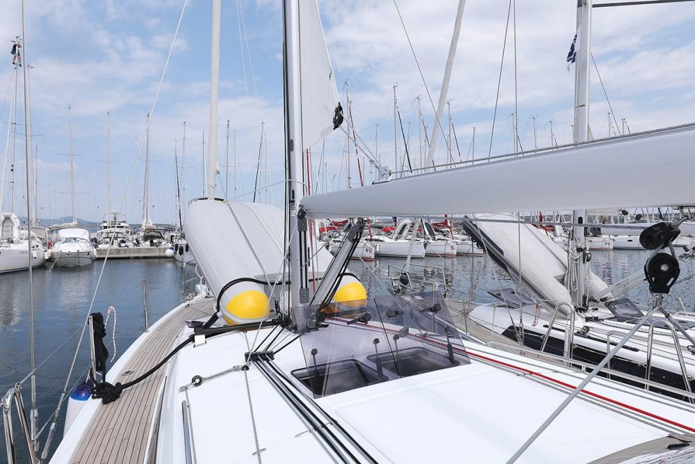 Boat rental  cheap Sun Odyssey 410 - 3 cab.