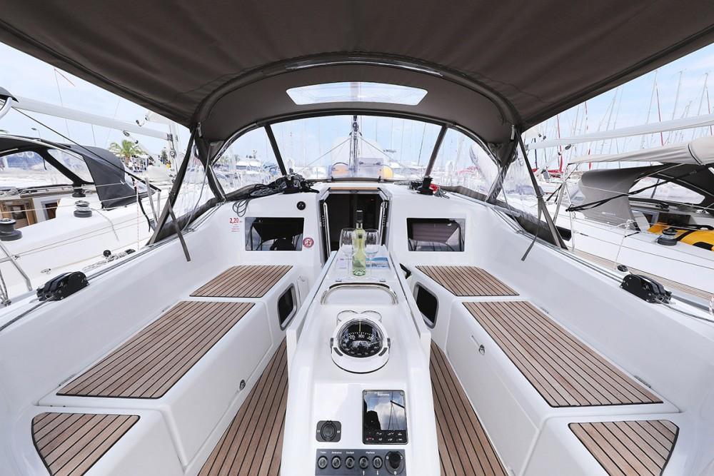 Rental Sailboat in  - Jeanneau Sun Odyssey 410 - 3 cab.