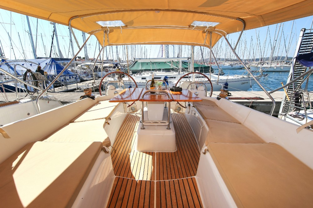 Hire Sailboat with or without skipper Jeanneau Grad Pula