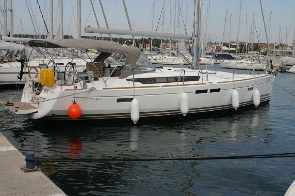 Rental Sailboat in Grad Pula - Jeanneau Sun Odyssey 469