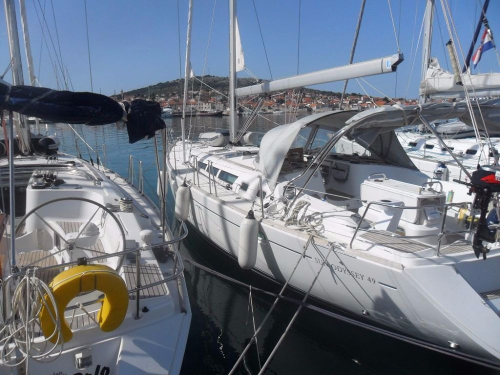 Rental Sailboat in Jezera - Jeanneau Sun Odyssey 49