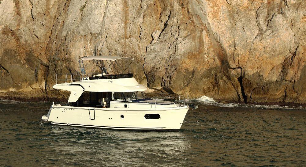 Boat rental Grad Pula cheap Swift Trawler 35