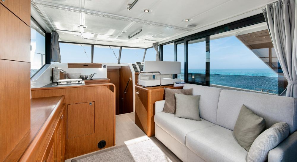 Rental Motorboat in Grad Pula - Bénéteau Swift Trawler 35