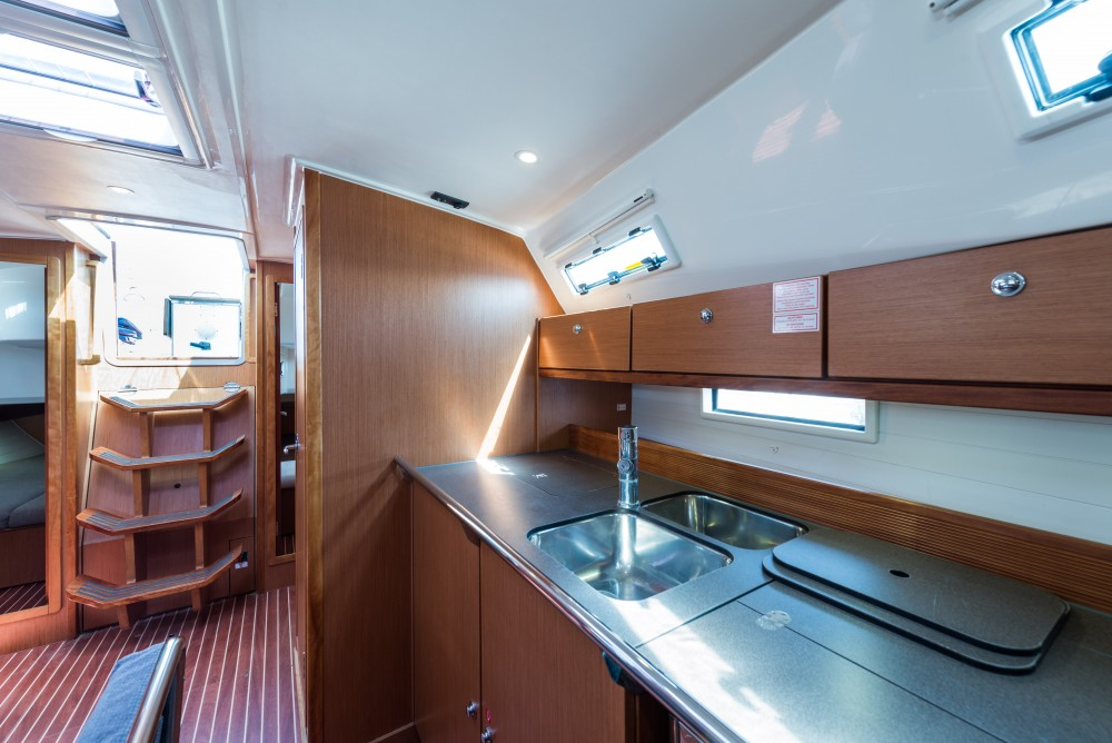 Boat rental Bavaria Bavaria 40 Cruiser in Lefkada on Samboat