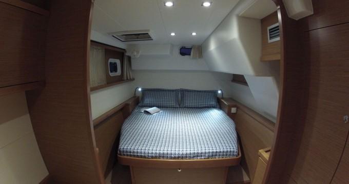 Boat rental Ibiza Island cheap Lagoon 450 F