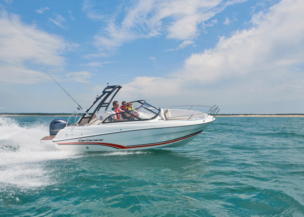 Hire Motor boat with or without skipper Jeanneau La Forêt-Fouesnant