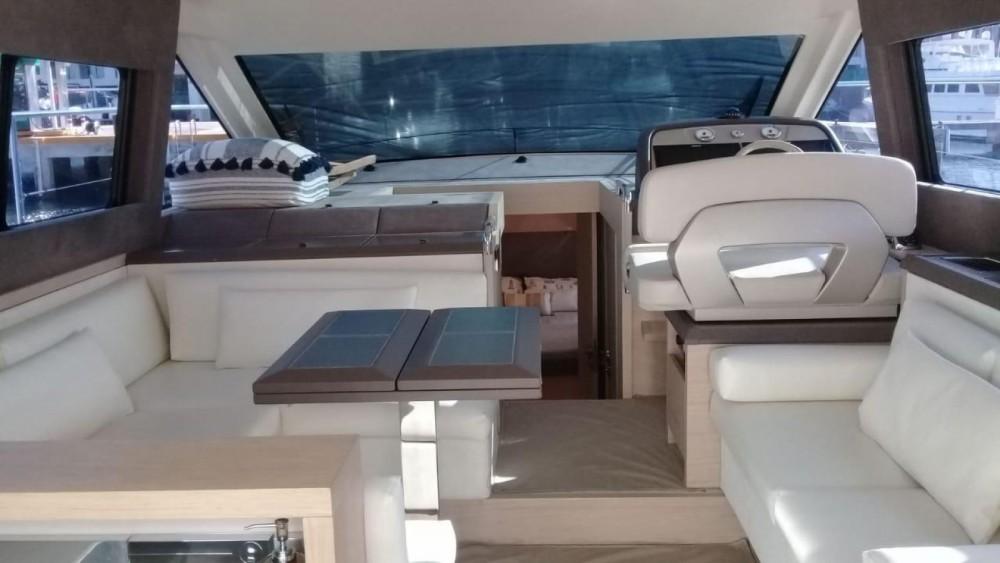 Rental Motorboat in Cancún - Bénéteau Monte Carlo 5