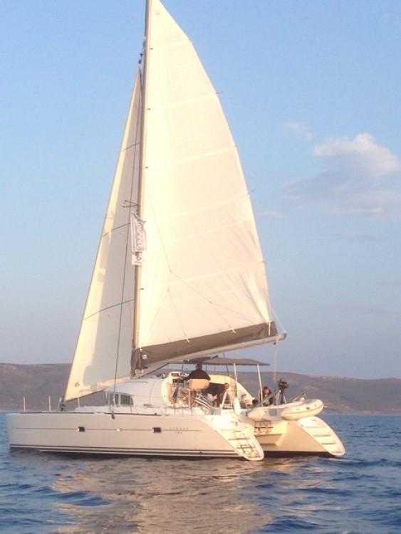 Boat rental Lagoon Lagoon 380 in Peloponnese on Samboat