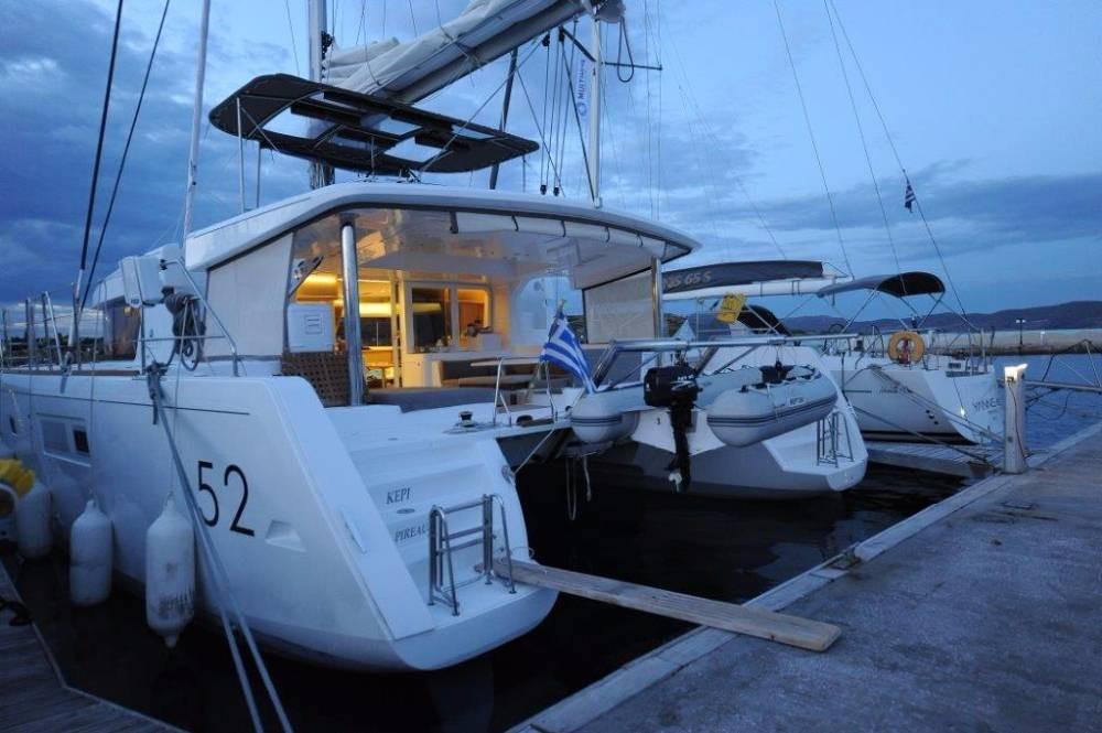 Boat rental Peloponnese cheap Lagoon 52