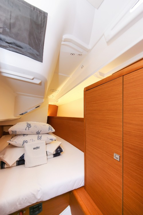 Jeanneau Sun Odyssey 349 between personal and professional Croatia