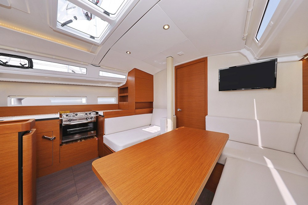 Jeanneau Sun Odyssey 410 - 3 cab. between personal and professional