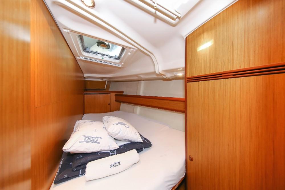 Rental Sailboat in  - Jeanneau Sun Odyssey 45