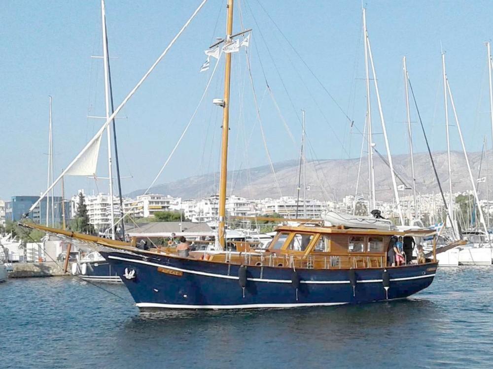 Motor sailer between personal and professional Alimos Marina