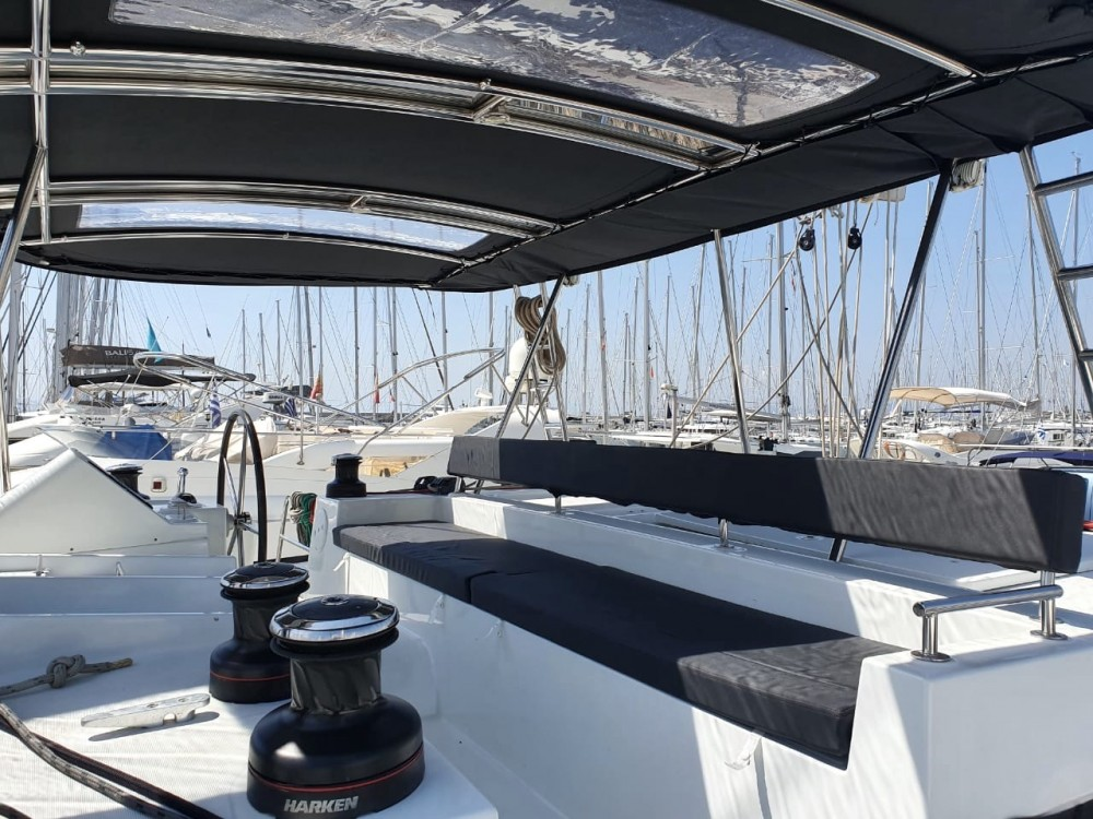 Rental Catamaran in Alimos Marina - Lagoon Lagoon 450F