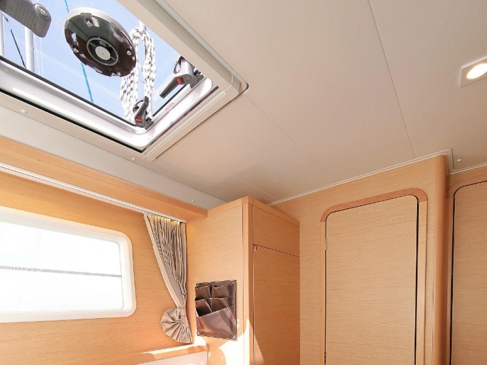 Rental yacht Sukošan - Lagoon Lagoon 400 S2 LIMITED EDITION on SamBoat