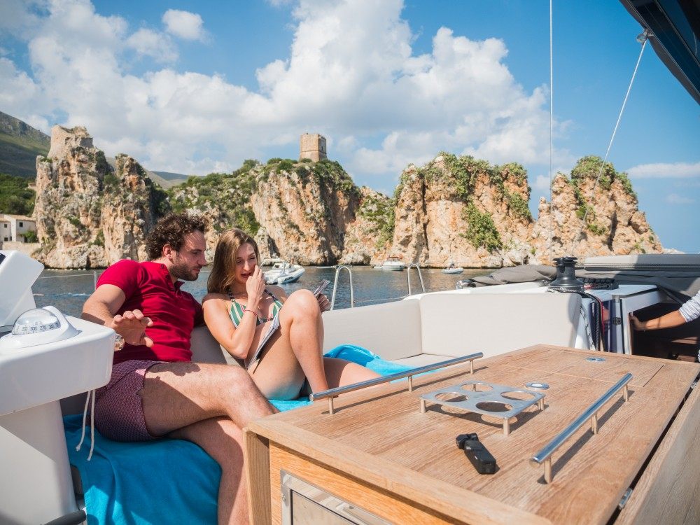 Hire Sailboat with or without skipper Dufour Marsala Marina