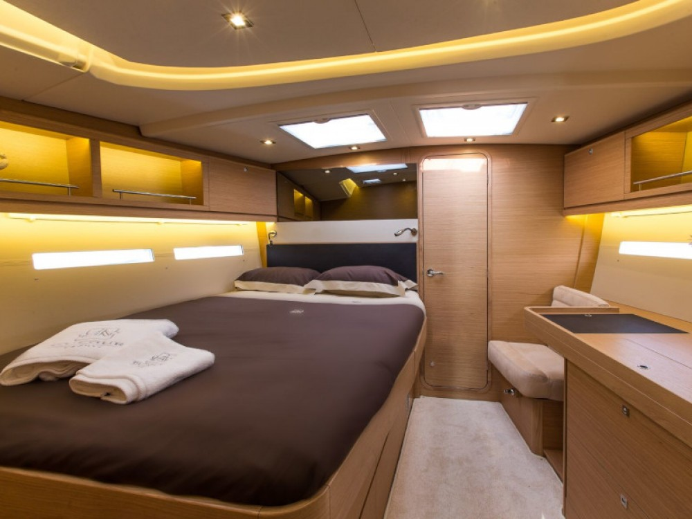 Boat rental Dufour Dufour 56 Exclusive in Marsala Marina on Samboat